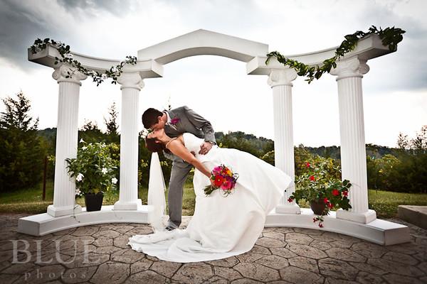 Holt-Summit-MO-Winery-Wedding-Photographer-091810-25.jpg