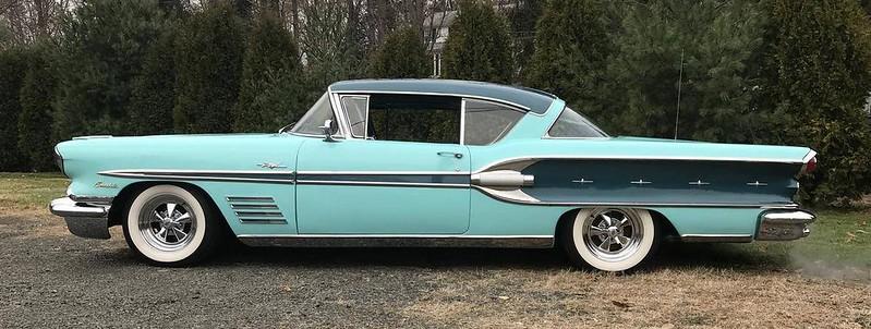 1958 Pontiac Bonneville Coupe