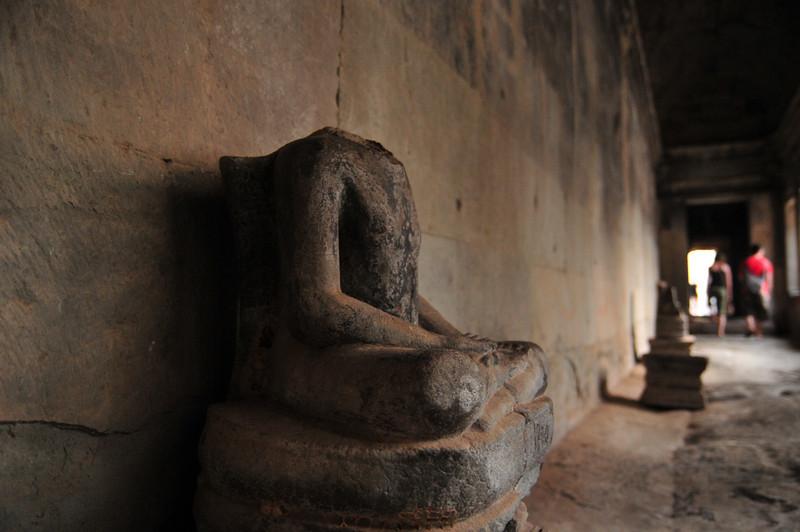 Day18-AngkorWatSunset-25.jpg
