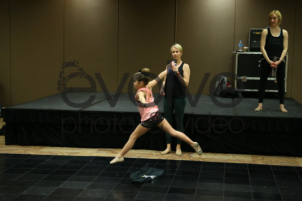 000 - Ready Set Dance
