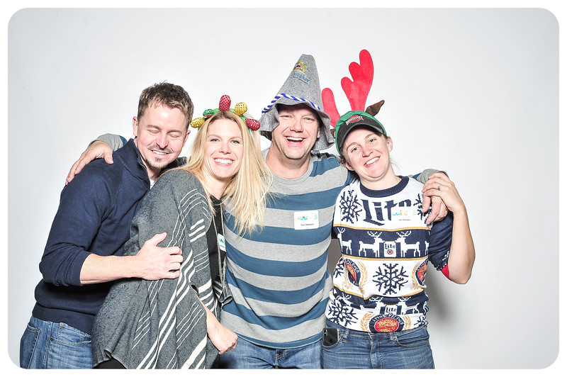 Champlin-Holiday-Photobooth-13.jpg