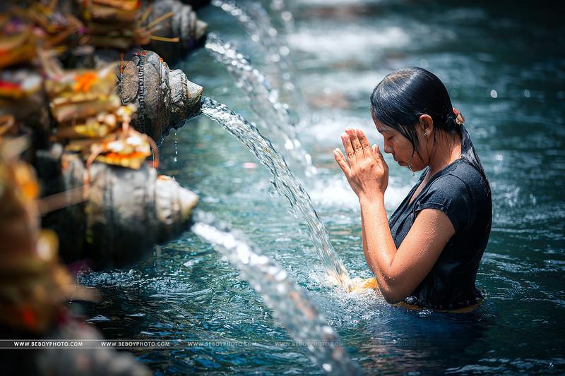Bali prière.jpg