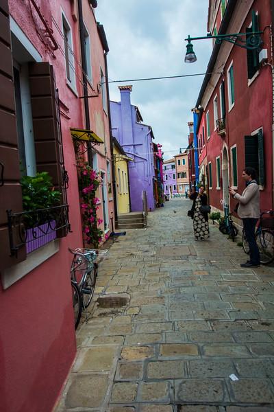 רחוב יפה וזוג.jpg