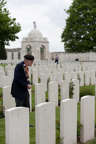 Ypres Tyne Cot Cemetery (85 of 123).jpg