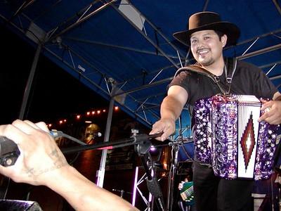 Los Palominos at the West End in Dallas 8-18-2004