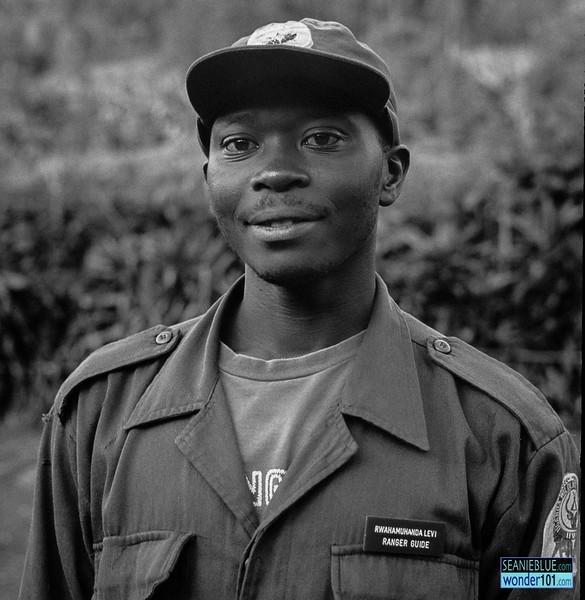 Uganda 1400 40-01.jpg