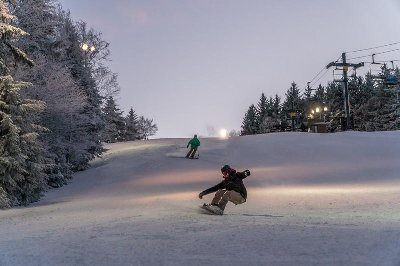 Night Snowboard.jpg