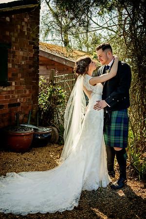 The Beuatiful Summery Wedding of Andrew and Hayley