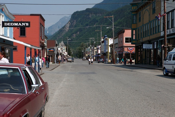 We left Liarsville by bus and dropped off in Skagway for an afternoon of shopping.
