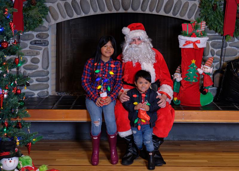CB Santa 2019-8010.jpg