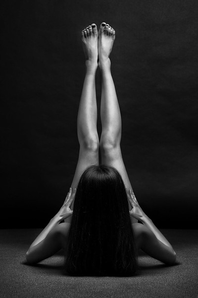 black-and-white-portraits-women-body-bodyscapes-anton-belovodchenko-181.jpg
