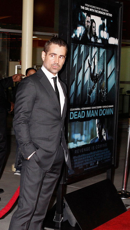 """. Irish actor Colin Farrell poses at the premiere of his new film \""""Dead Man Down\"""" in Hollywood, California February 26, 2013. REUTERS/Fred Prouser"""
