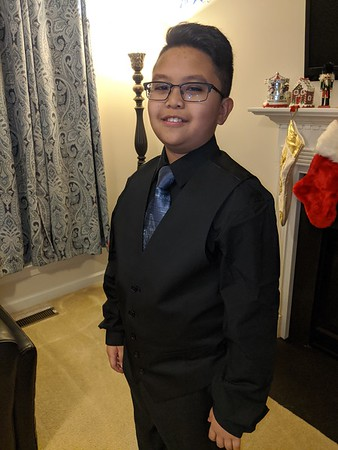 2019-12-18 Tre' fitting his suit