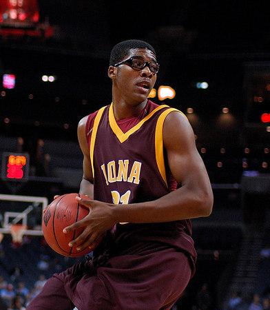 11/14/06 - NCAA Men: NIT Season Tip-Off: Winthrop vs Iona