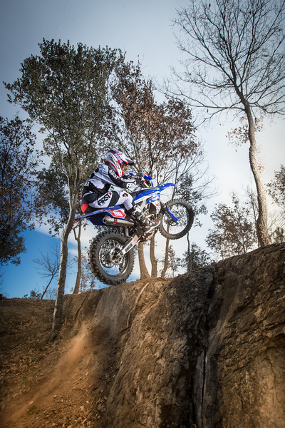 2016_Enduro2_Outsiders_Official_WR450F_Guerrero_Action 2.jpg