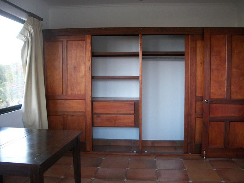 Bedroom2Closet.JPG