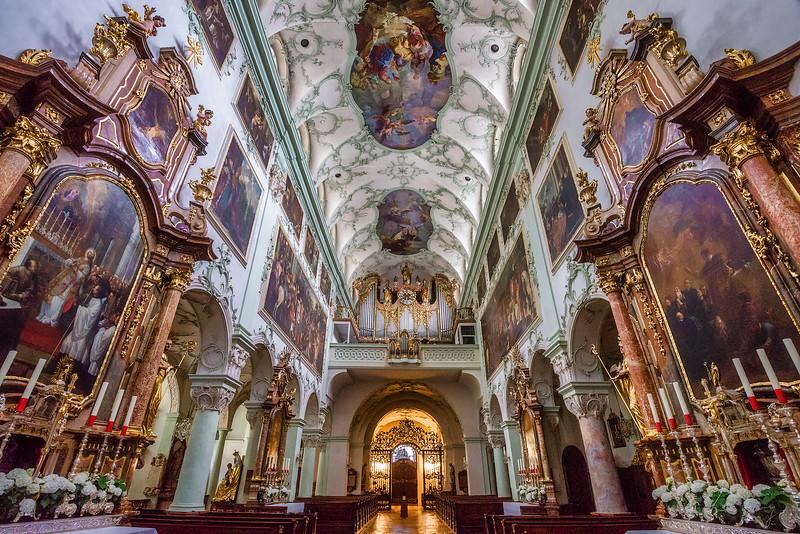 Stiftskirche-Sankt-Peter-3.jpg
