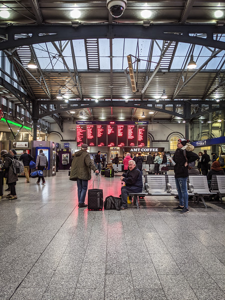 Dublin train station.jpg