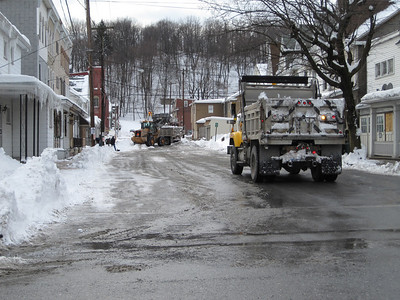 Snow Removal, Trucks, Tamaqua (2-13-2010)