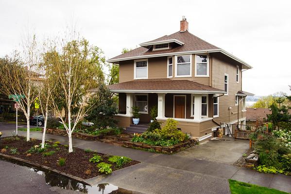 146 30th Ave. Seattle 98122 Phoebe Underwood RE Broker
