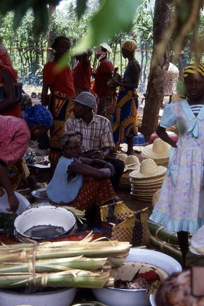 Life at the market, Ikwo. --- Hverdagsliv på markedet, Ikwo. (Foto: Geir)