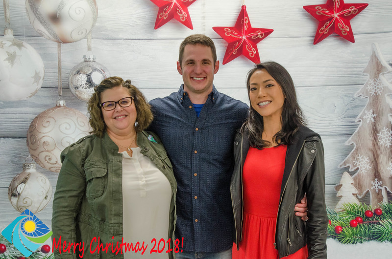Christmas Photobooth 2018 Sunday-193.jpg