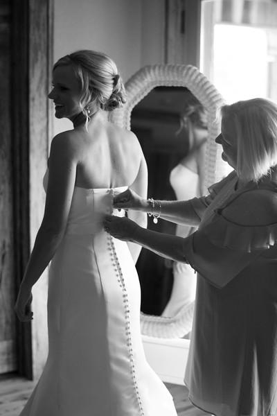 getting-ready-bride (19 of 23).jpg
