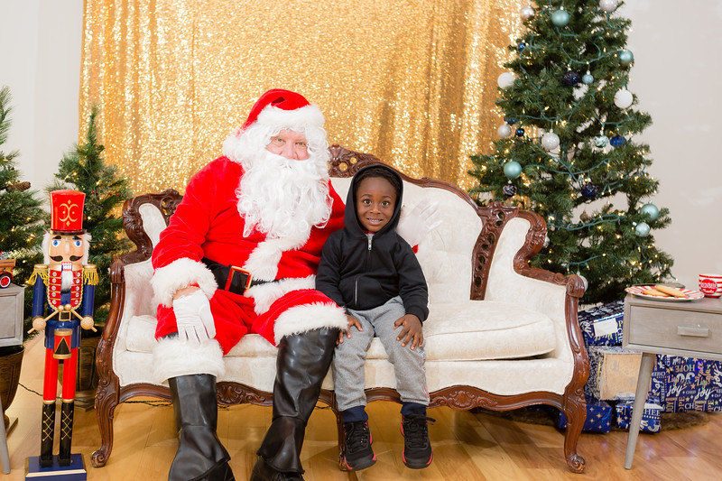 FADS Picture with Santa-206.jpg