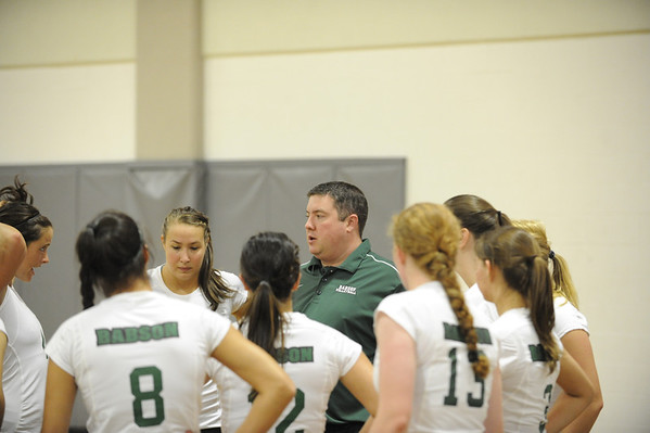 BABSON VOLLEYBALL  9.15.2011