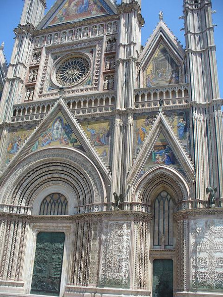 0517_300_years_to_finish_Romanesque_Gothic_High_Ren_styles.jpg