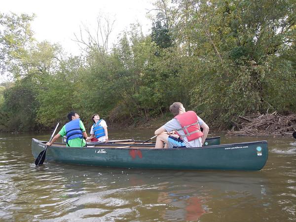 Outdoor Program Canoeing on the Shenandoah