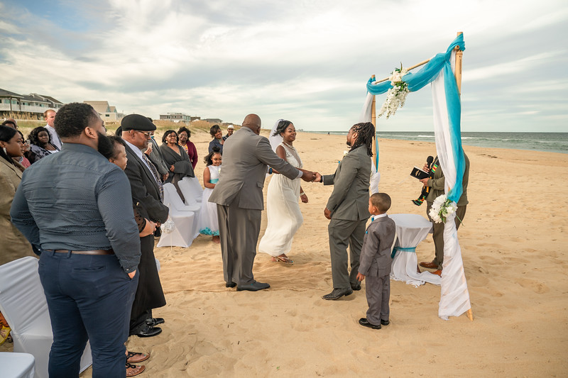 VBWC BRYA 10192019 Sandbridge Wedding #58 (C) Robert Hamm.jpg