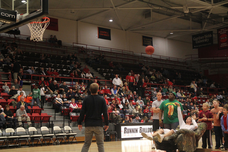 Fans participating in the free throw challenge.