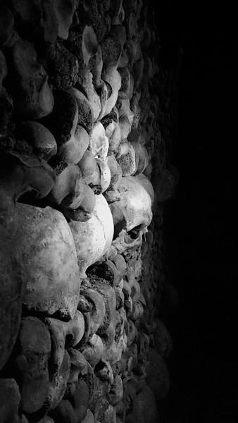 Paris-Catacombs-IMG_131307501.jpg