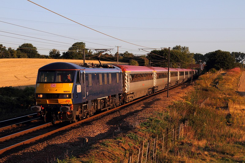 90034 on the 5P00 0510 Norwich to Ipswich at Baylham on the 4th August 2015.JPG
