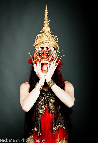 Suri Sumatra - Balinese burlesque