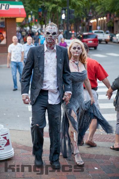 ZombieWalk2012131012186.jpg