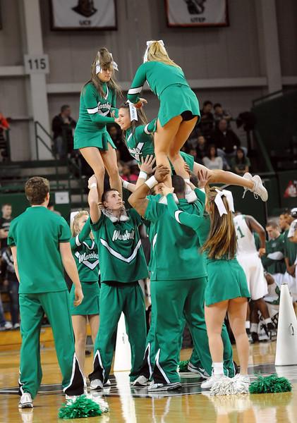 cheerleaders0932.jpg