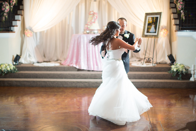 0892_Josh+Lindsey_Wedding.jpg