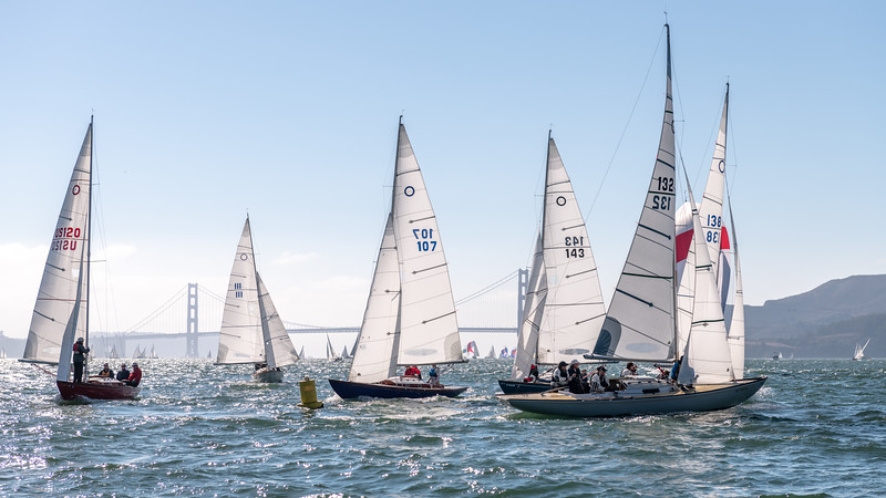 Knarr Fleet at the Leeward Mark