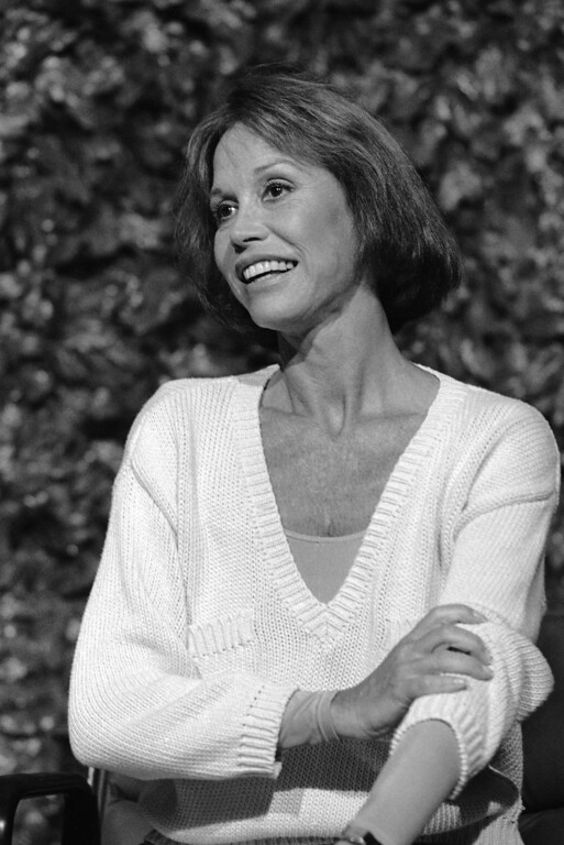 . Actress Mary Tyler Moore is all smiles as she talks with reporters at a news conference in Los Angeles, Friday, June 21, 1985 where it was announced that she will be starring in a new comedy series for CBS this fall. The show, tentatively titled ?Mary? will feature Moore as a Chicago newspaper columnist who solves her reader?s problems. (AP Photo/Lennox McLendon)