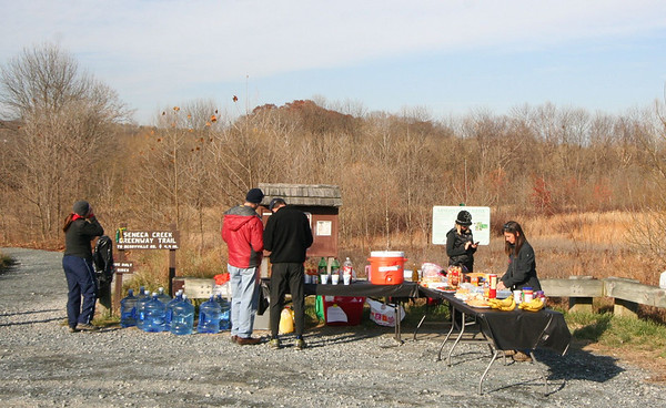 Route 28 Aid Station - Photos by Bob Fabia