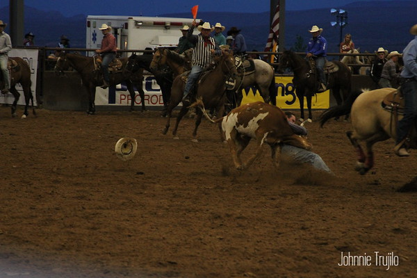 2018 PRCA Rodeo  Steer Wrestling Friday Night