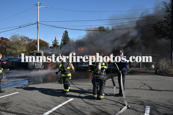 SYOSSET FD MULTIPLE CARS ON FIRE