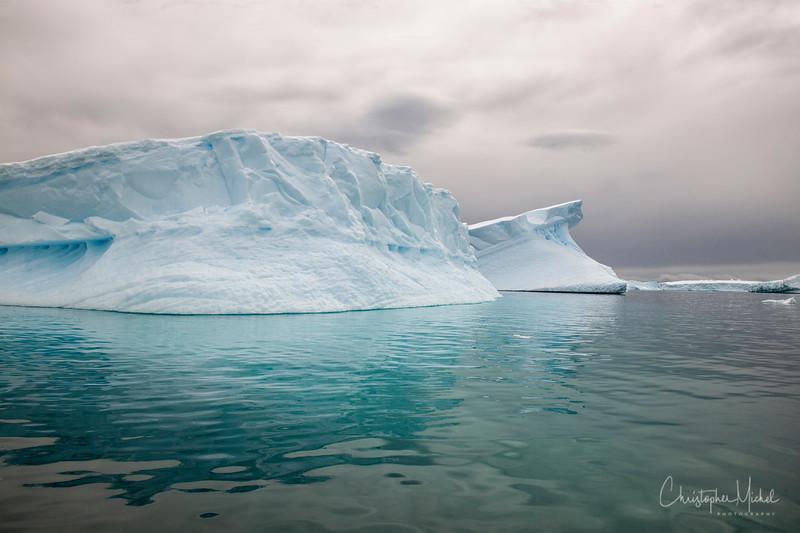 icebergs pleneau island_d3x_20130106_8217.jpg