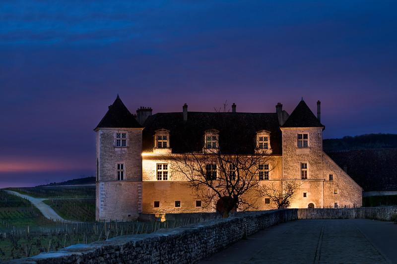 Chateau_Clos_Vougeot_2048-.jpg