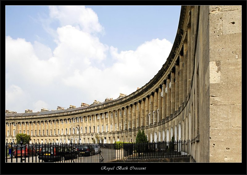 The graceful sweep of the Royal  Crescent Bath (80364759).jpg