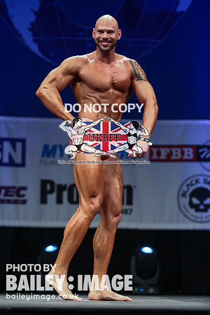 MODEL DIVISION - MALE MUSCLE MODEL