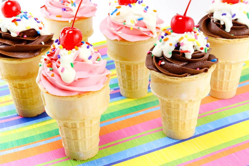 Ice Cream Sundae Cake Cones 7.jpg