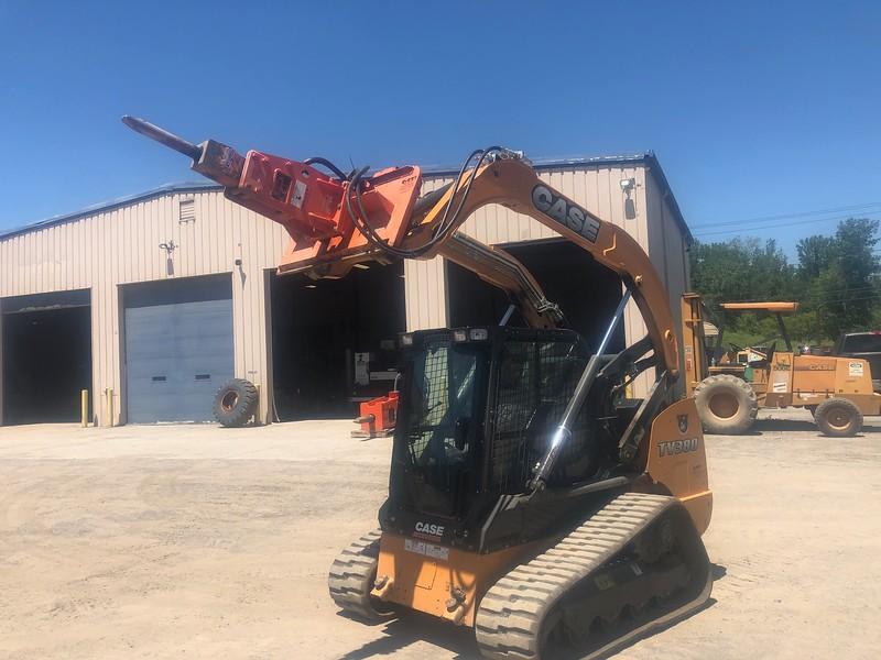 NPK PH2 hydraulic hammer on Case CTL skid steer - Monroe Tractor  06-20 (4).jpg